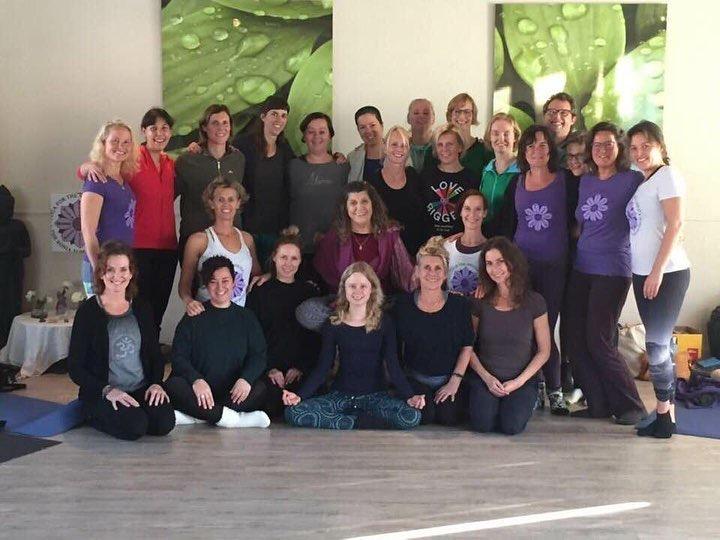 Groepsfoto Roberta Suma yogacentrum Laren